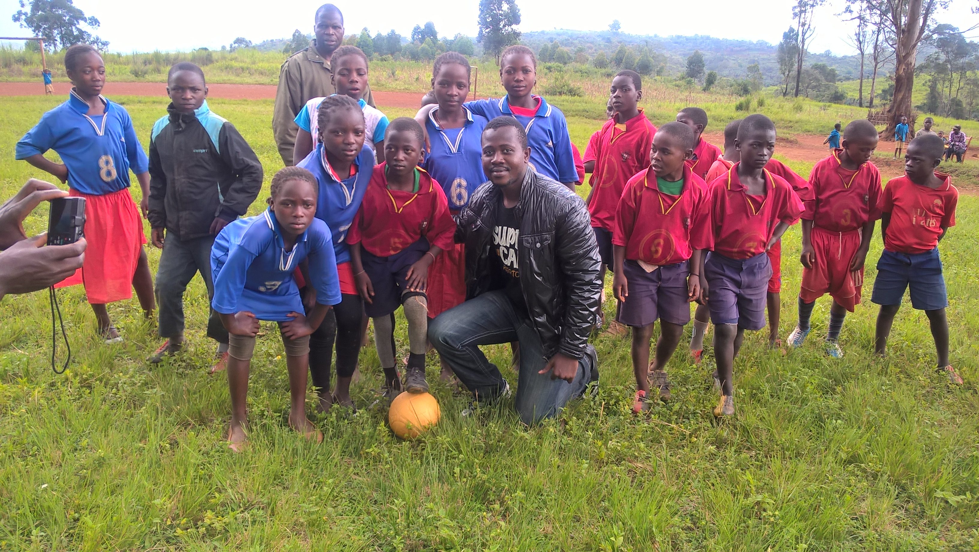 Football: a means to promote environmental awareness in local communities