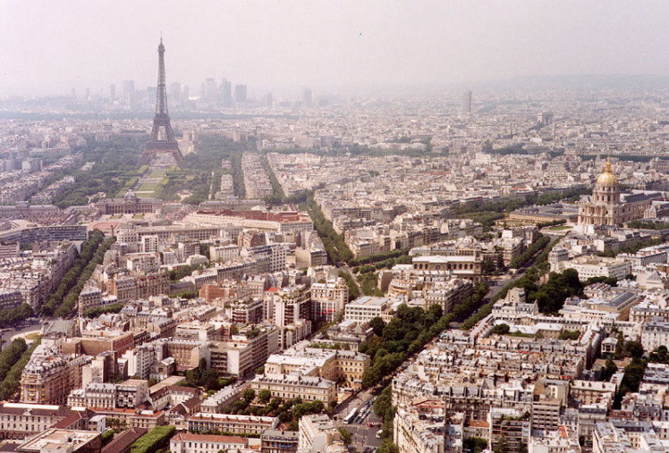 Paris.wiki.800pix.eiffelview