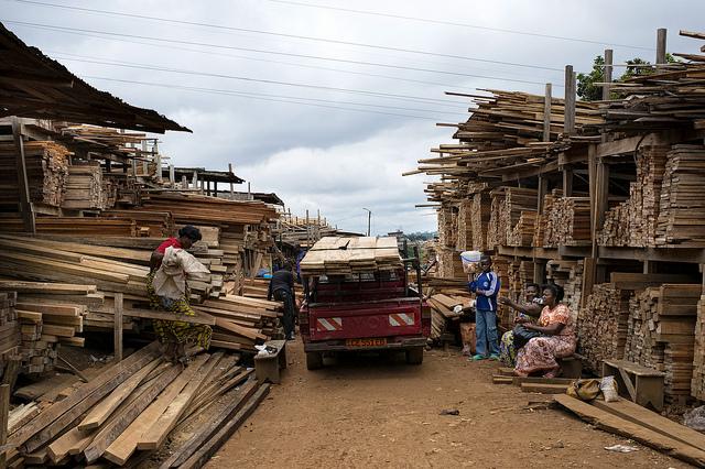 Montée Parc Market, Yaoundé, Cameroon. Photo: Ollivier Girard/CIFOR