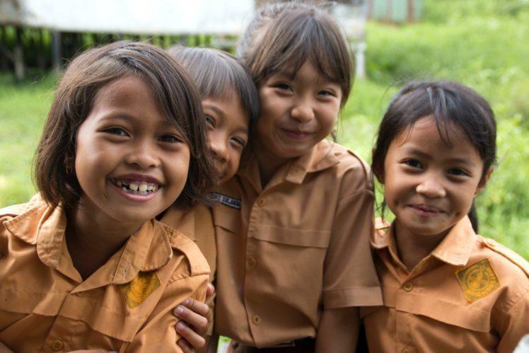 Schoolgirls Kapuala Hulus